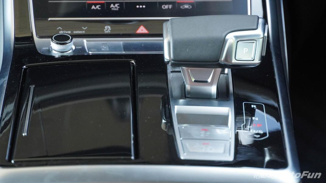 2020 Audi Q7 3.0 45 TDI Quattro Interior 017