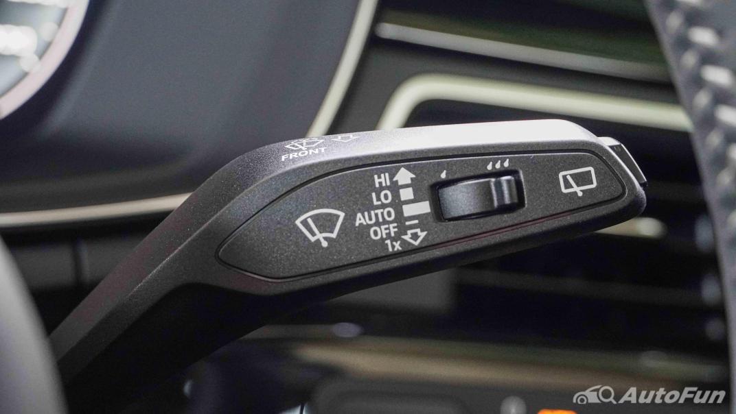 2020 Audi A4 Avant 2.0 45 TFSI Quattro S Line Black Edition Interior 014