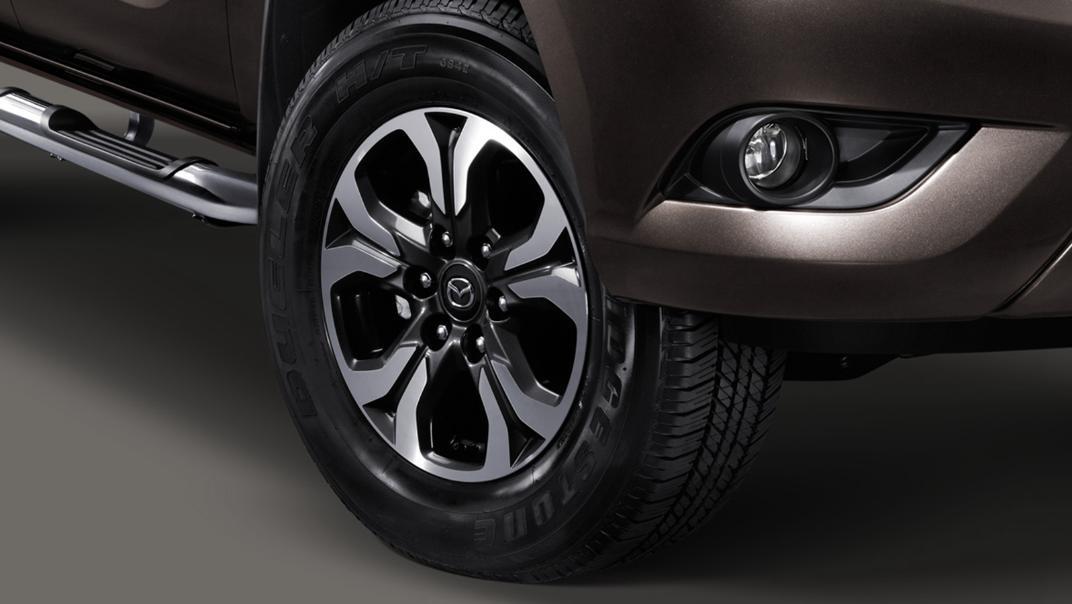Mazda BT-50 Pro 2020 Exterior 005