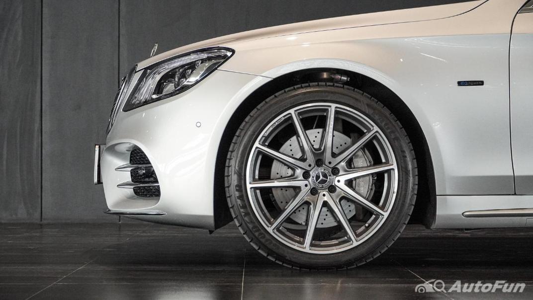 Mercedes-Benz S-Class S 560 e AMG Premium Exterior 033