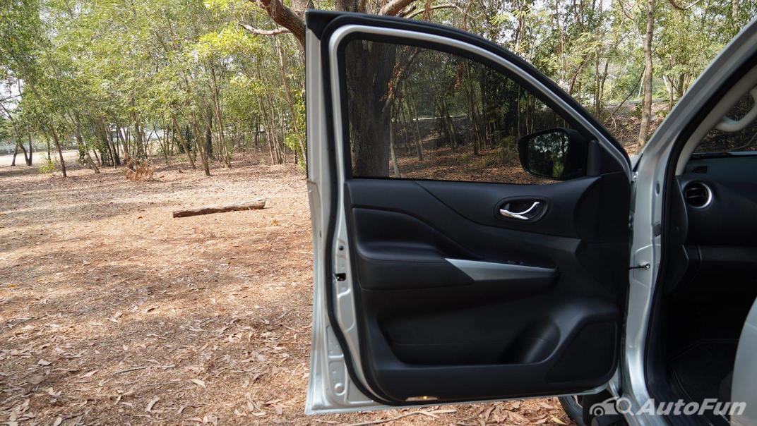 2021 Nissan Navara Double Cab 2.3 4WD VL 7AT Interior 048