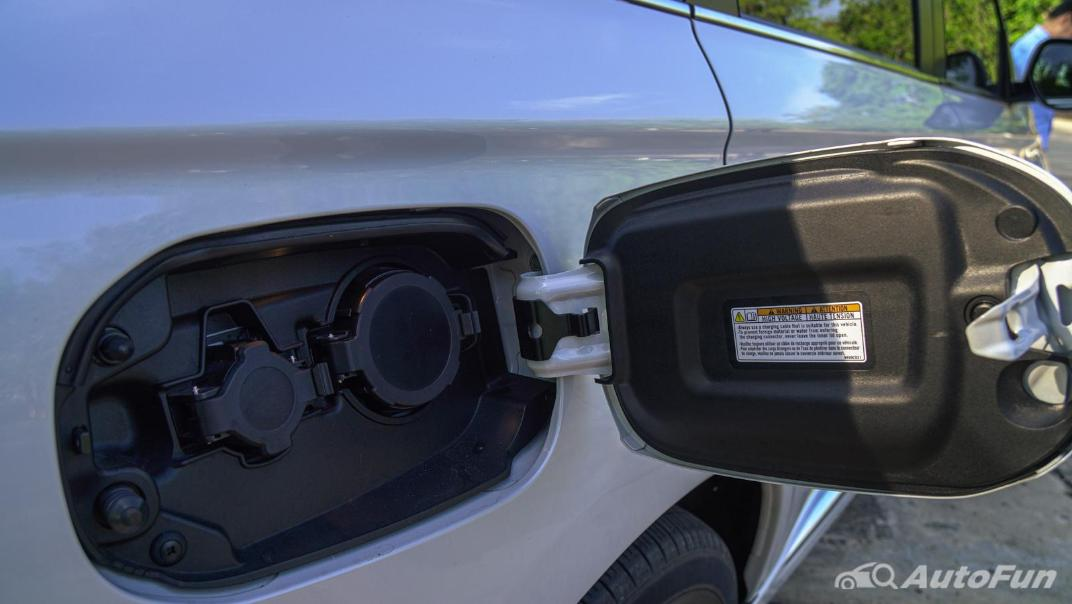 2021 Mitsubishi Outlander PHEV GT-Premium Exterior 030