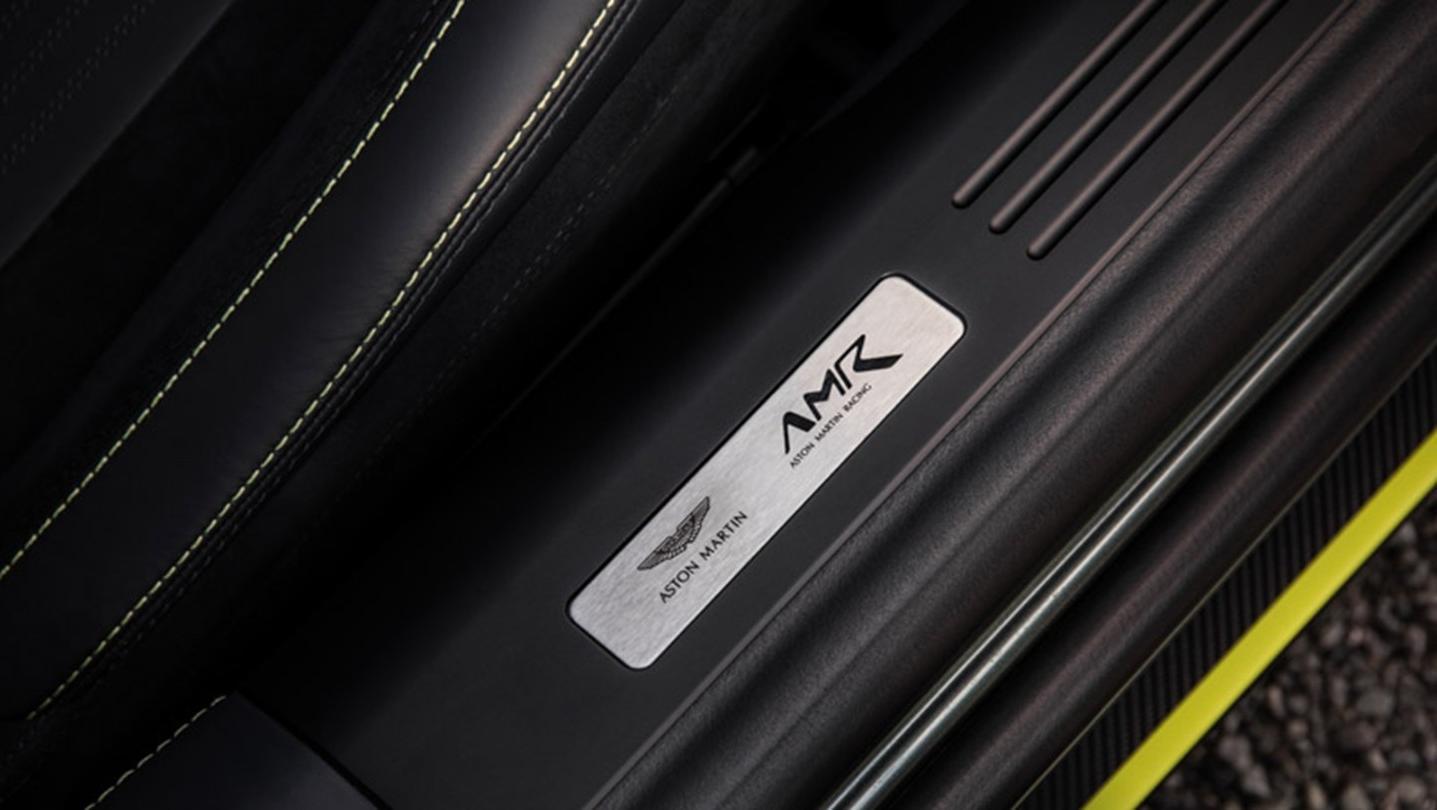 Aston Martin Db11 2020 Interior 006