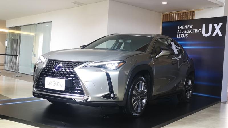 ชมคันจริง Lexus IS, UX ใหม่ เพิ่มไฟฟ้าล้วน ปรับดีไซน์ล้ำ ทำให้สมราคาเริ่มต้น 2.69 ล้านรึเปล่า 02