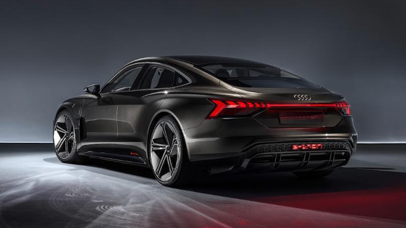 อาวดี้เตรียมเปิดตัว 2021 Audi e-tron GT พร้อมสู้ Porsche Taycan ได้หรือไม่? 02