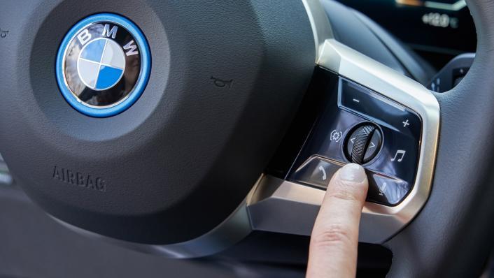 2021 BMW iX xDrive50 Sport Interior 009