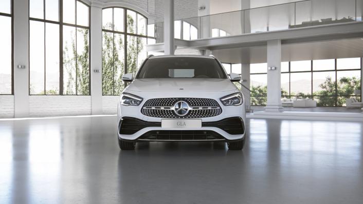 2021 Mercedes-Benz GLA-Class 200 AMG Dynamic Exterior 002