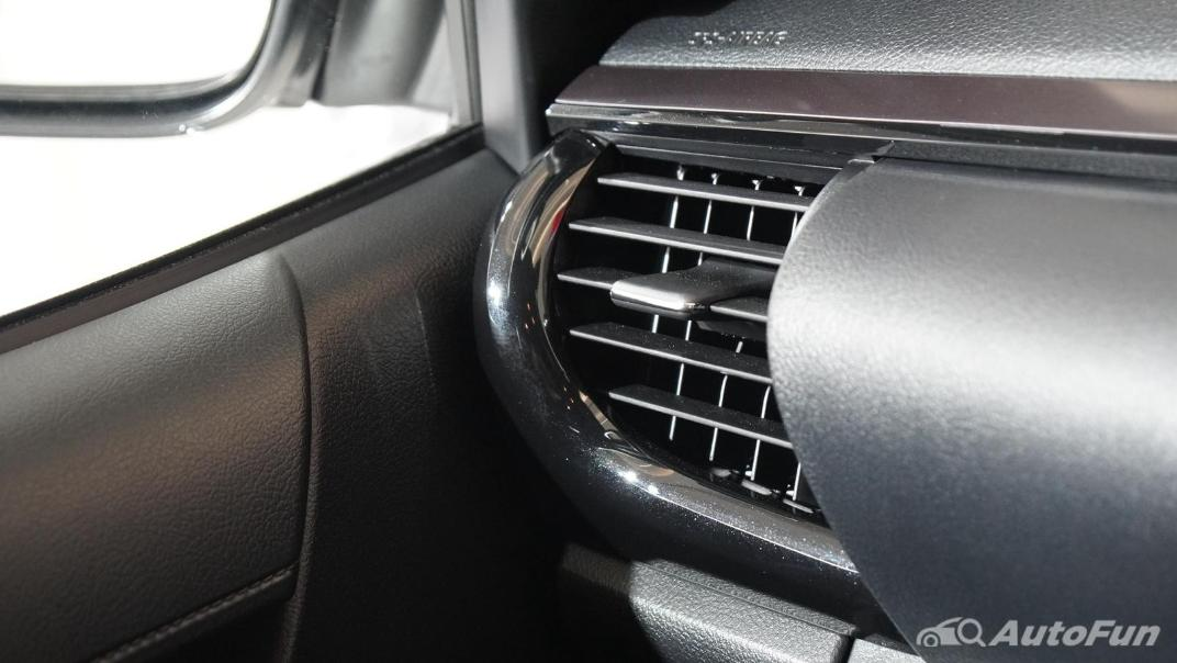 2021 Toyota Hilux Revo Double Cab 4x4 2.8 GR Sport AT Interior 018