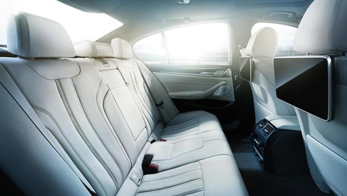 BMW 5-Series-Sedan 2020 Interior 006