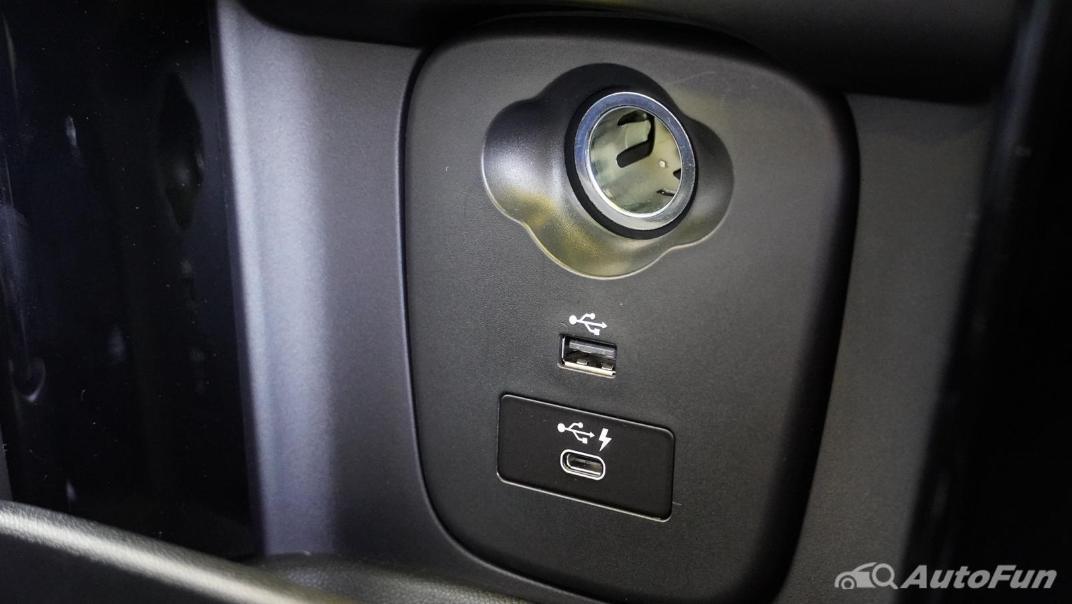 2021 MNI 3-Door Hatch Cooper S Interior 023