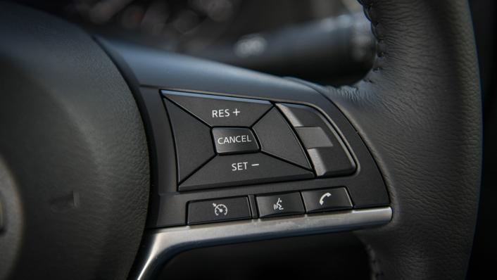 2021 2.3 Nissan Navara Double Cab 4WD VL 7AT Interior 006