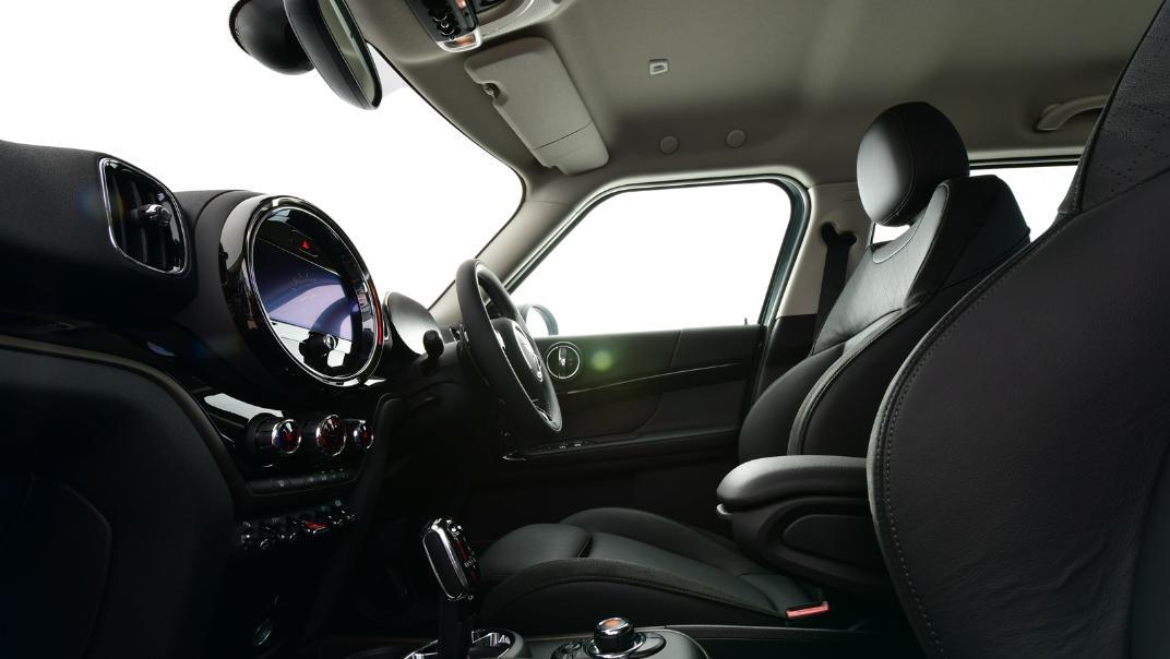 2021 Mini Countryman Interior 016