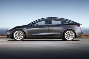 Tesla เตรียมเปิดตัวรถพลังไฟฟ้ารุ่นเล็ก ราคาอาจเหลือ 1 ล้านบาทเศษ