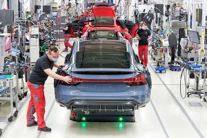 เป็นไปได้? ผู้บริหาร Audi ชี้รถพลังไฟฟ้าจะมีแบตเตอรี่เล็กลงในอนาคต