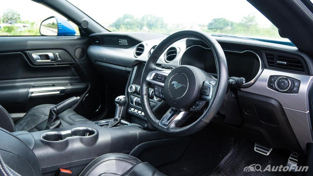 2020 Ford Mustang 5.0L GT Interior 003