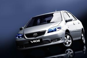 สงสัยกันไหมทำไม Toyota Soluna ถึงต้องเปลี่ยนมาเป็น Vios ทั้งที่ขายได้แค่โฉมเดียว?