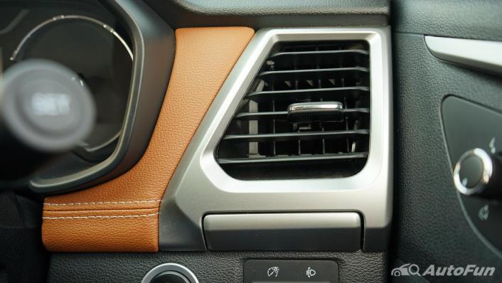 2021 MG Extender Interior 003
