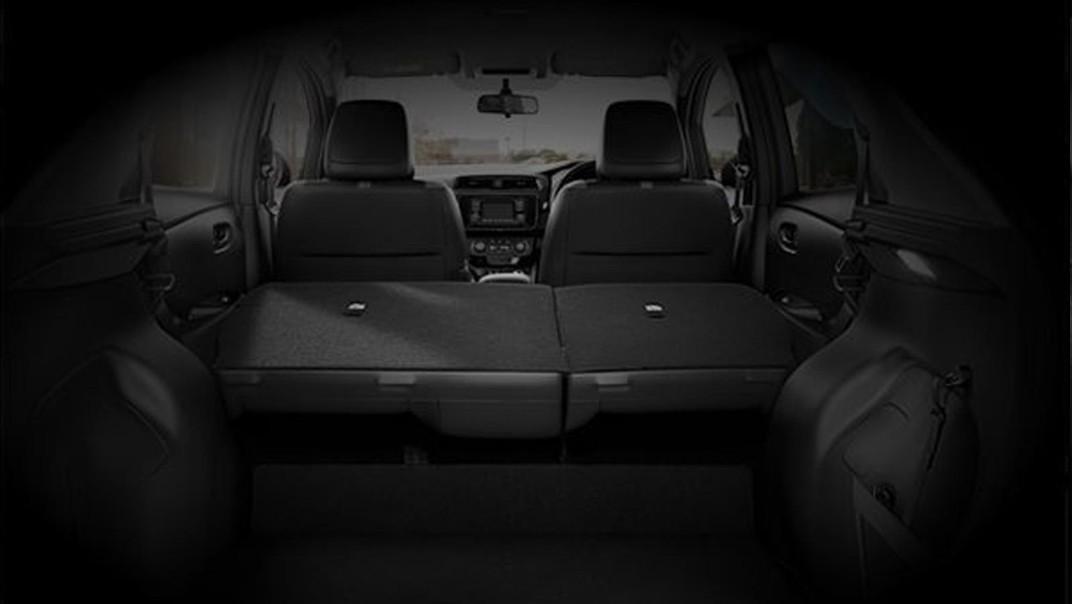 Nissan Leaf 2020 Interior 004