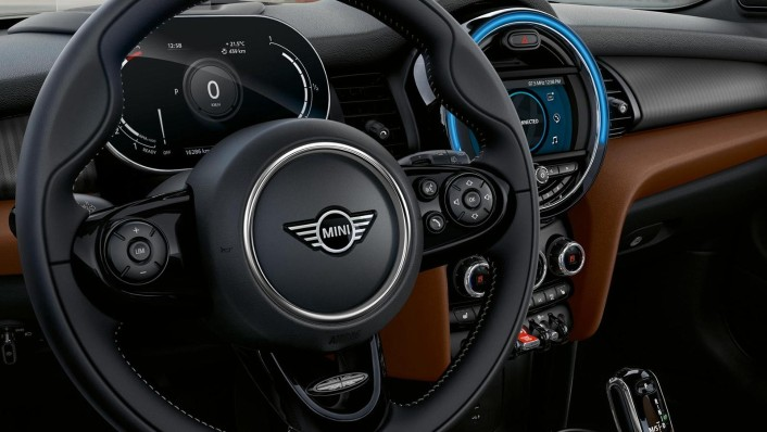 Mini Convertible 2020 Interior 003