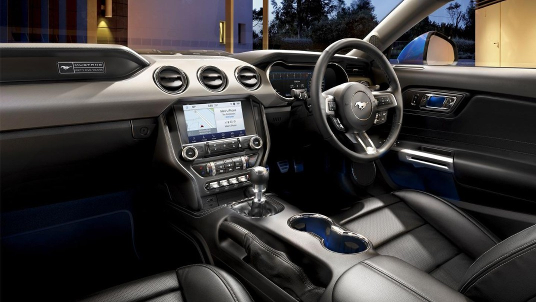 Ford Mustang 2020 Interior 002