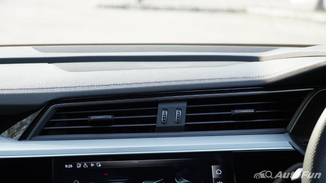 2020 Audi E Tron Sportback 55 quattro S line Interior 028