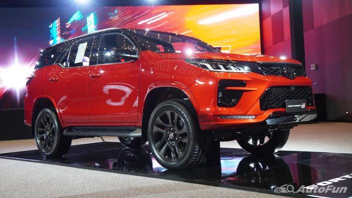 2021 Toyota Fortuner 2.8 GR Sport 4WD Exterior 003