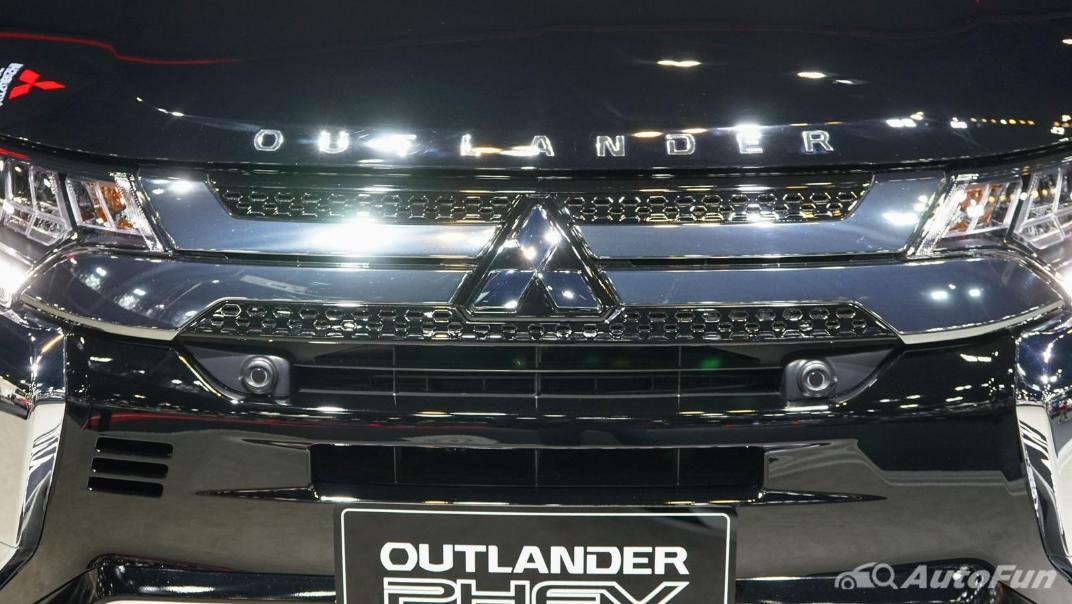 2021 Mitsubishi Outlander PHEV GT Exterior 016
