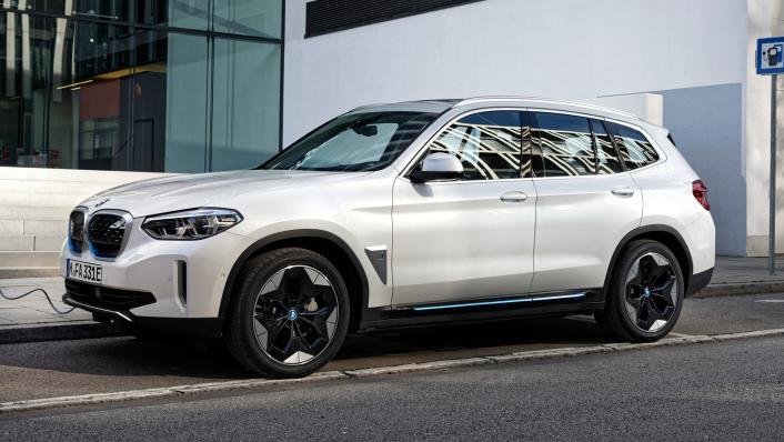 2021 BMW iX3 M Sport Exterior 004