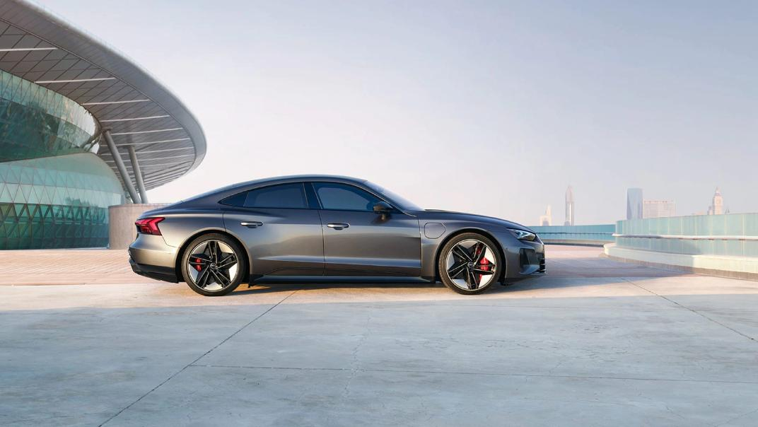 2021 Audi RS e-tron GT quattro Exterior 003