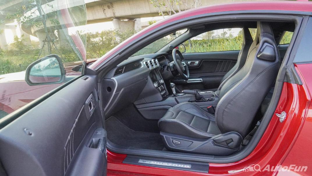 2020 Ford Mustang 2.3L EcoBoost Interior 051