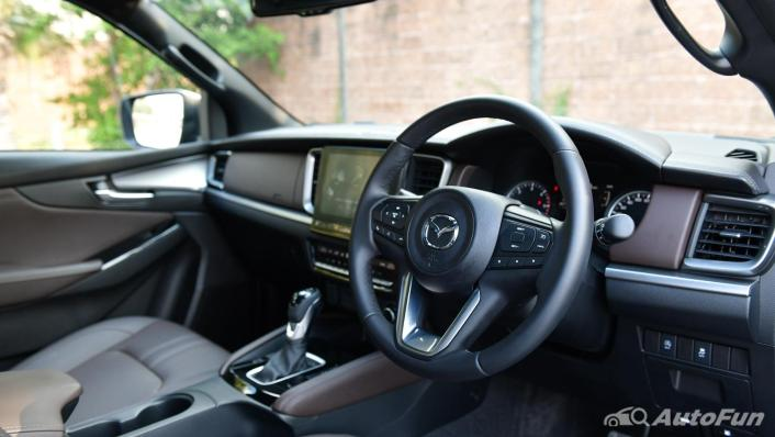 2021 Mazda BT-50 Pro Double Cab 3.0 SP 6AT 4x4 Interior 002