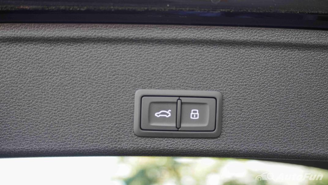 2020 Audi A4 Avant 2.0 45 TFSI Quattro S Line Black Edition Interior 077