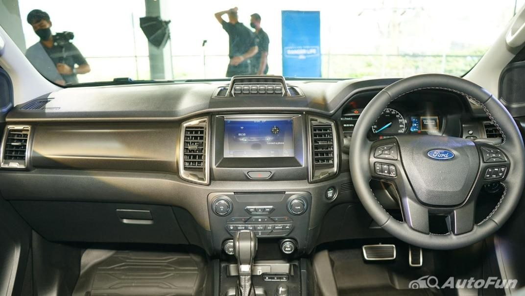2021 Ford Ranger FX4 MAX Interior 001