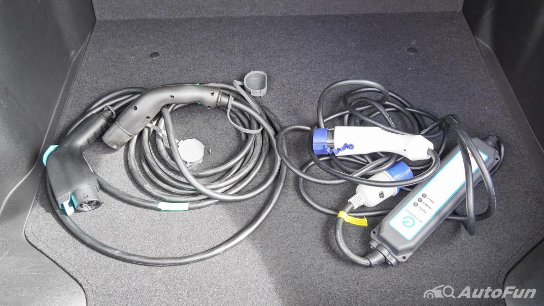 2020 Nissan Leaf Electric Interior 072
