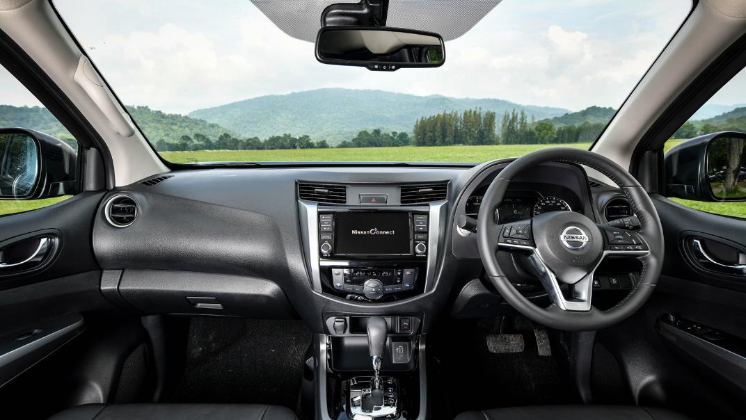 Nissan Navara 2021 Interior 022