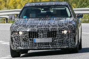 2023 BMW 7-Series หรูขึ้นด้วยเส้นสายเรียบเนี๊ยบ พร้อมท้าชน S-Class/A8