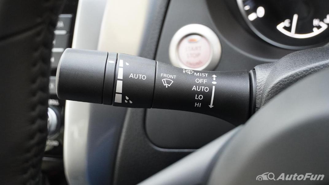 2021 Nissan Navara Double Cab 2.3 4WD VL 7AT Interior 006
