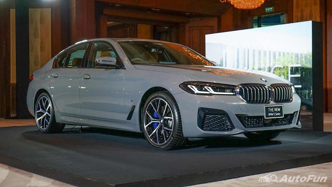 2021 BMW 5 Series Sedan 530e M Sport Exterior 003