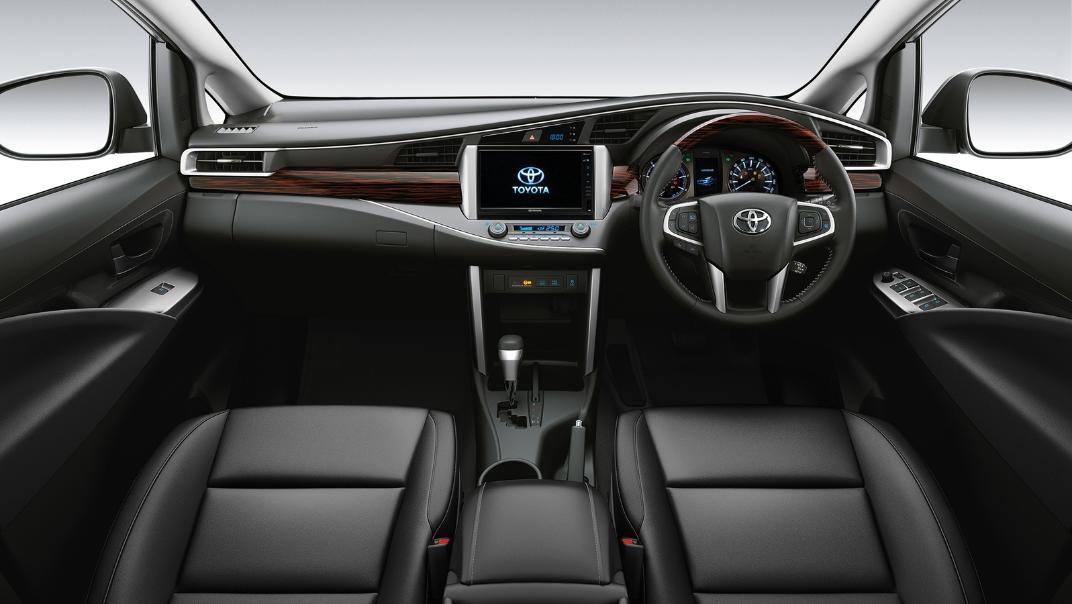 2021 Toyota Innova Crysta Interior 002