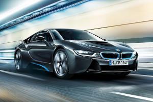 ส่องข้อดีข้อเสีย BMW i8 รถสปอร์ตดีไซน์ล้ำสมัย