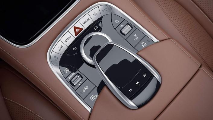 Mercedes-Benz S-Class Cabriolet 2020 Interior 006