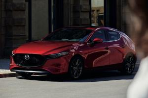 2021 mazda 3 เวอร์ชั่นใหม่เตรียมเปิดตัวจะสู้คู่แข่ง Honda Civic ได้หรือไม่?