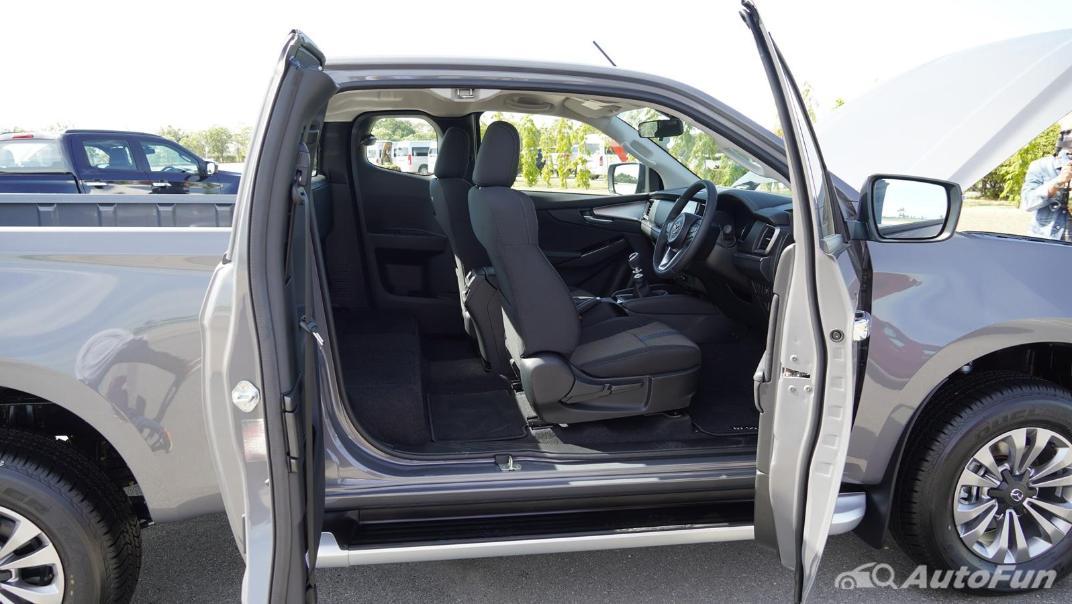 Mazda BT-50 Pro 2021 Interior 023