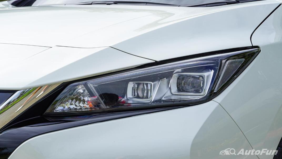 2020 Nissan Leaf Electric Exterior 014