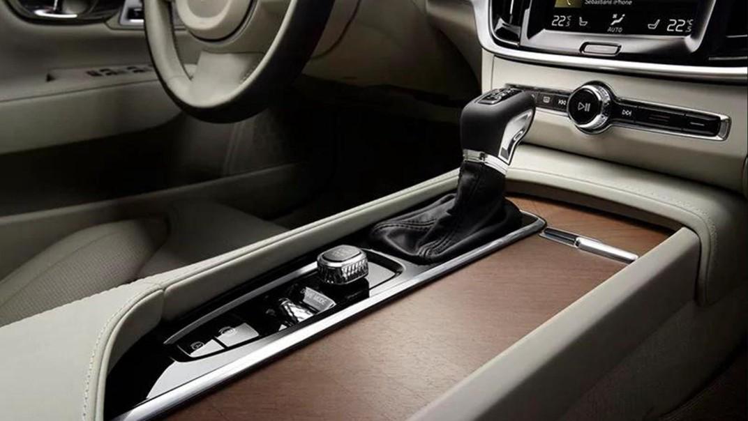 Volvo S90 2020 Interior 007