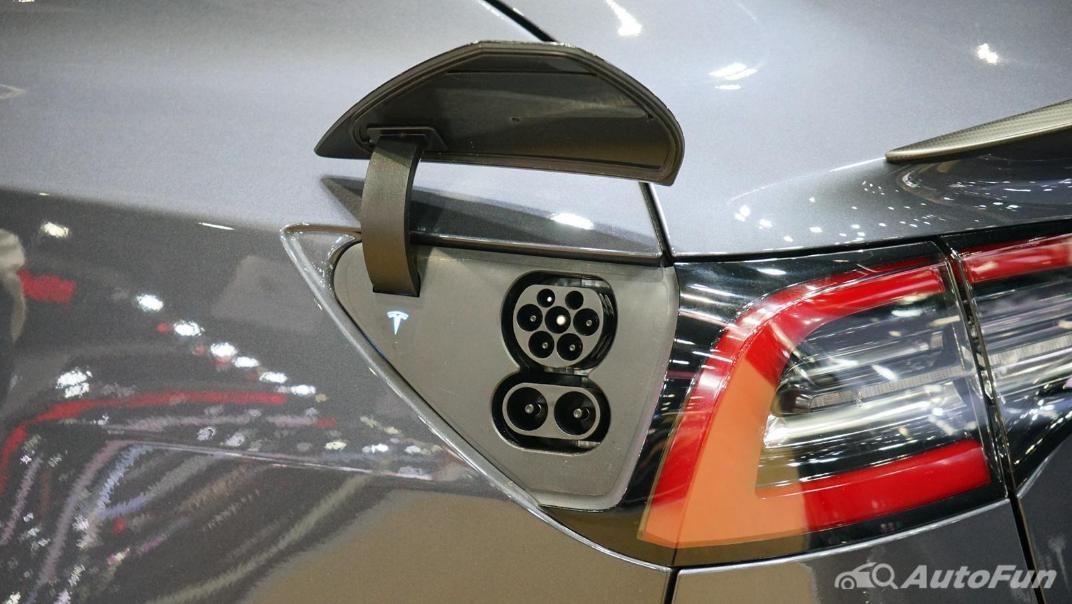 2021 Tesla Model 3 Performance Exterior 019