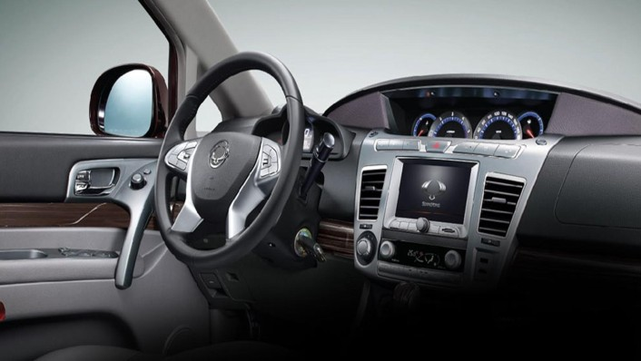 Ssangyong Stavic 2020 Interior 001