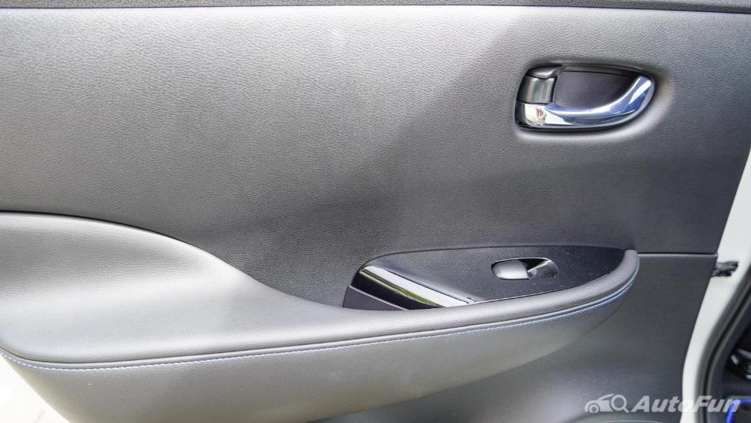2020 Nissan Leaf Electric Interior 067