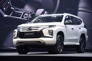 ศึกชายกลางพีพีวี New 2019 Mitsubishi Pajero Sport ปะทะ All-New 2019 Nissan Terra