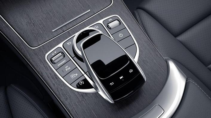 Mercedes-Benz C-Class Estate Public 2020 Interior 003